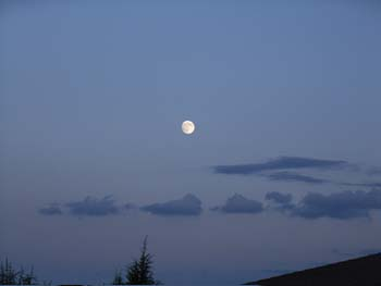 07_0925_moon2.jpg